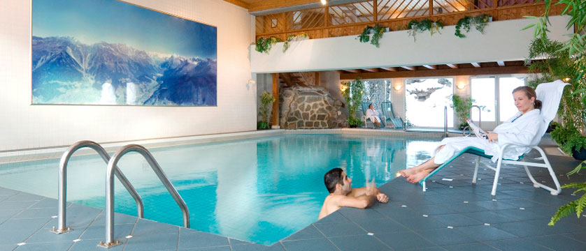 Switzerland_Klosters_Hotel-Silvretta-Park_Indoor-pool.jpg